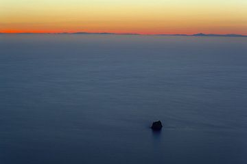 View over Strombolicchio and the Tyrrhenian Sea towards Calabria in the background.  (Photo: Tom Pfeiffer)