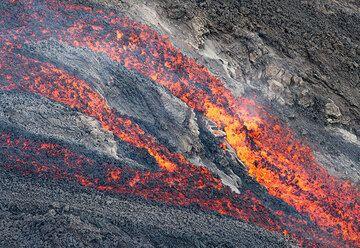 Stromboli volcano lava flow into the sea 2014: videos (Photo: Tom Pfeiffer)