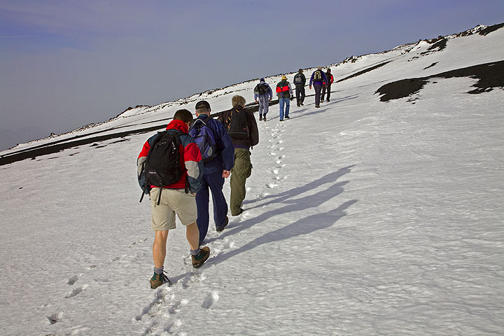 2950 m a.s.l. We start hiking towards the Bocca Nuova. The first part only gently climbing. (c)