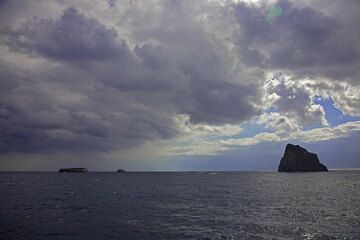 Clouds over the Tyrrhenian Sea. (c)