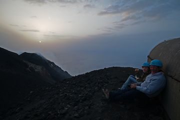 Leslie and Vanessa just after a nice eruption (Photo: Marco Fulle)