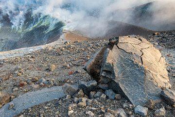 Breadcrust bomb from the 1888 eruption of Vulcano's La Fossa (Eolin Islands, Italy) (Photo: Tom Pfeiffer)
