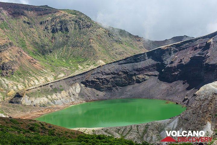 Okama crater lake, Zao volcano, Japan (Photo: Tom Pfeiffer)