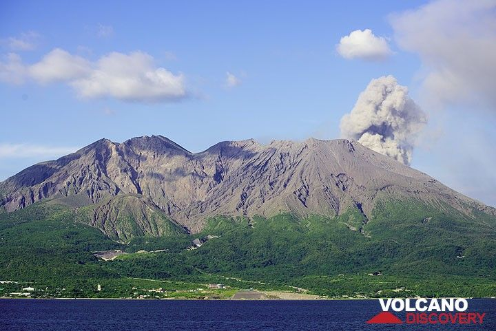 Small ash puff on the afternoon of 19 July, seen from Kagoshima Bay. (Photo: Tom Pfeiffer)