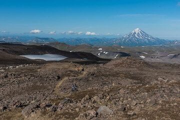 View towards Vilyuchik volcano from the lava fields of Gorely. (Photo: Tom Pfeiffer)