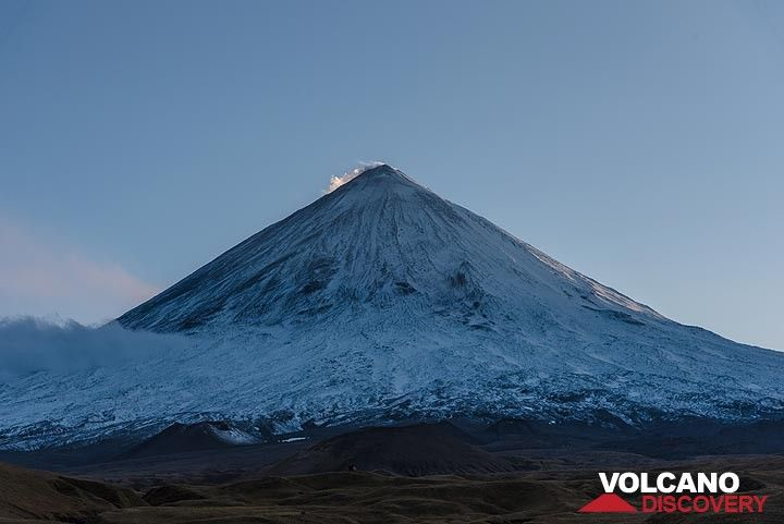 Evening view of majestic Klyuchevskoy volcano: rising to more than 4800 m elevation from almost sea level, it is the largest free-standing stratovolcano in the world and one of its most active ones, too. (Photo: Tom Pfeiffer)