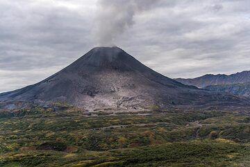 The active cone of Karymsky volcano. (Photo: Tom Pfeiffer)