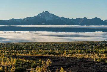 View towards the coastal range from Apochonchik. (Photo: Tom Pfeiffer)