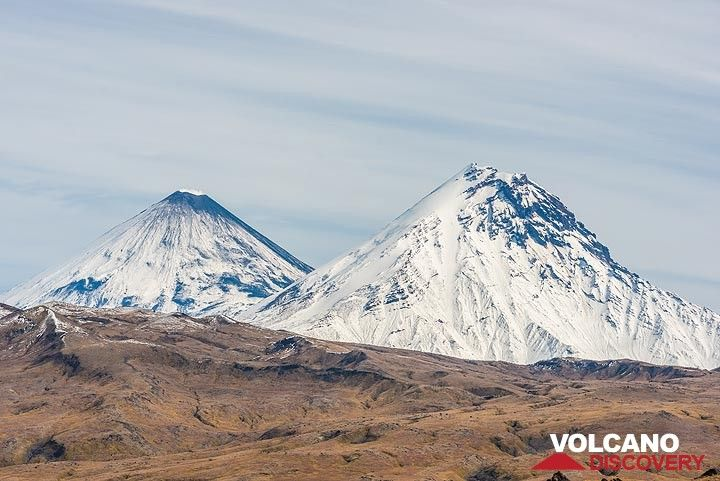 Klyuchevskoy and Kamen volcanoes, both over 4500 m high, form an impressive duo of stratovolcanoes. (Photo: Tom Pfeiffer)