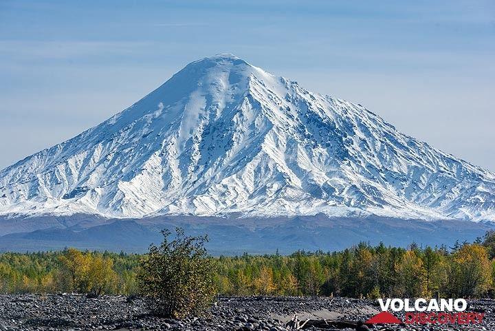 Ostry Tolbachik volcano (Photo: Tom Pfeiffer)