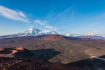 Some impressions taken during our recent Kamchatka expedition in Sep 2019: visit of Tolbachik volcano from the south during 13-14 Sep 2019, during a rare window of exceptionally clear weather, with visibility over hundreds of kilometers.