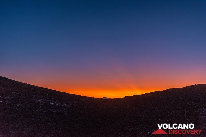 Nightfall (Photo: Tom Pfeiffer)