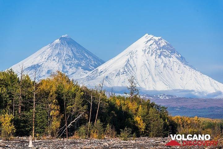 Klyuchevskoy and Kamen volcanoes (Photo: Tom Pfeiffer)