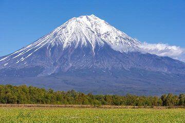 Mighty Koryaksky volcano (Photo: Tom Pfeiffer)