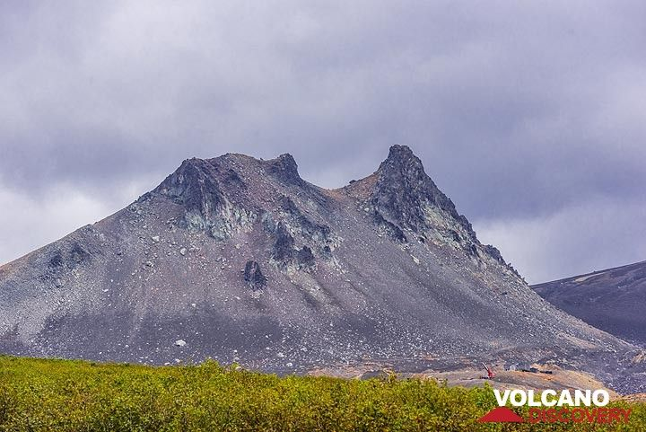 """The """"camel rock"""", an eroded lava dome in the saddle between Koryaksky and Avachinsky volcanoes (Photo: Tom Pfeiffer)"""