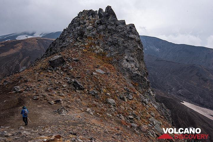 Western summit of camel rock (Photo: Tom Pfeiffer)