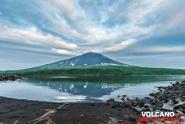Alaid volcano on Atlasov Island (Photo: Tom Pfeiffer)
