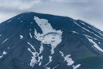 Summit of Alaid volcano (Photo: Tom Pfeiffer)
