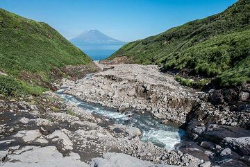 River bed draining from Ebeko volcano's complex towards the beach (Photo: Tom Pfeiffer)
