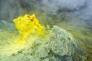 Sulphur hornito; this one had reached several meters height before it collapsed some months before. (Photo: Tom Pfeiffer)
