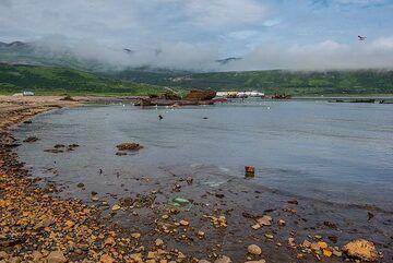 Rusty beach (Photo: Tom Pfeiffer)