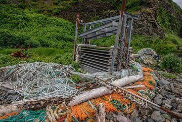 Various scrap metal and plastic (Photo: Tom Pfeiffer)