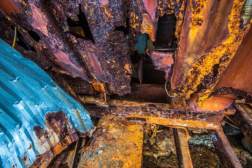 Rust and dust (Photo: Tom Pfeiffer)