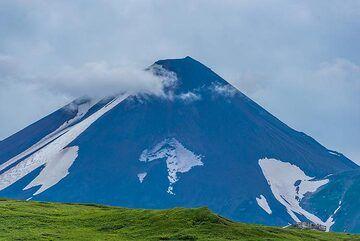 Chikurachki volcano (Photo: Tom Pfeiffer)