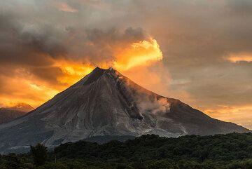 Sunrise on 16 July. (Photo: Tom Pfeiffer)