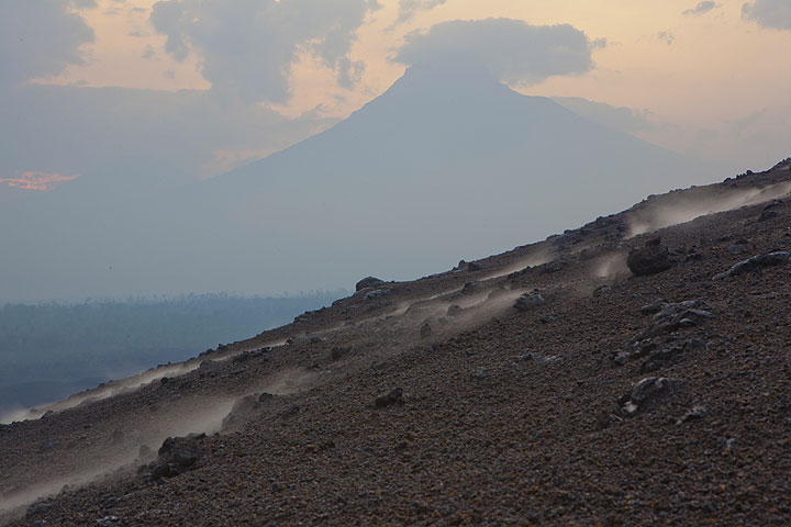 Mighty Mikeno volcano to the east. (Photo: Tom Pfeiffer)