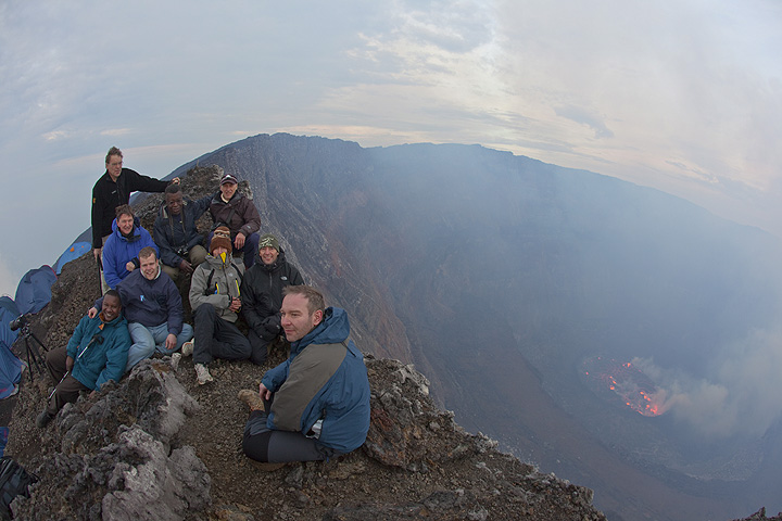 Group photo of our expedition members on the crater rim. (Photo: Tom Pfeiffer)