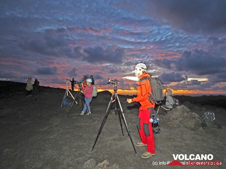 Our group on the crater of Yasur volcano in the morning (Photo: Dietmar)