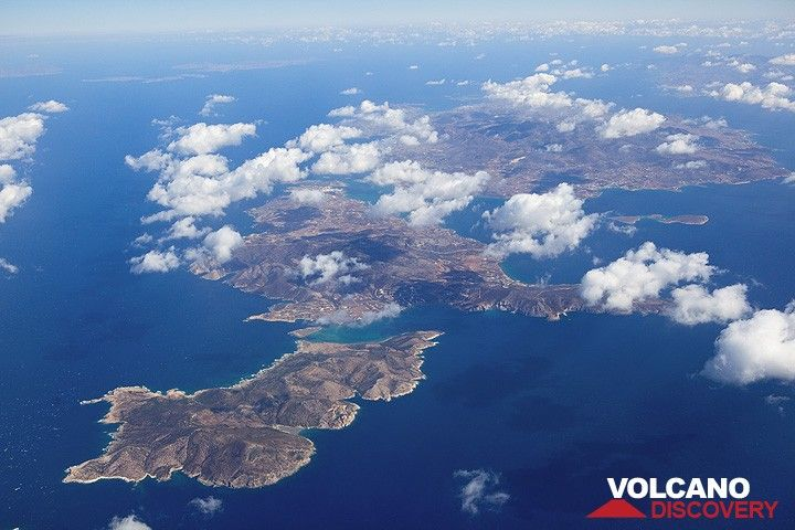 From left to right, (now uninhabited) Despotiko, Antiparos and Paros Islands in the central Cyclades (Greece) seen from the air (Photo: Tom Pfeiffer)