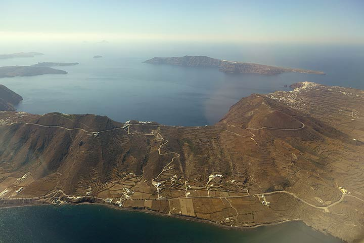 Aerial view of the northern half of Santorini's caldera (Photo: Tom Pfeiffer)