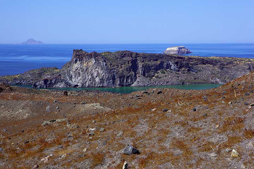 Palea Kameni island seen from Nea Kameni (Photo: Tom Pfeiffer)
