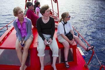 Santorini tour May 2012 - caldera boat tour (Photo: Tom Pfeiffer)