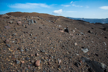 Walking on Nea Kameni volcano (Photo: Tom Pfeiffer)