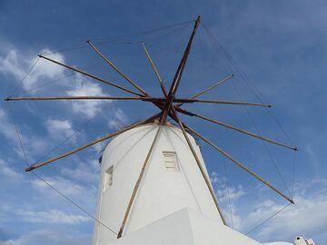 Traditional Aegean windmill. (Photo: Ingrid Smet)