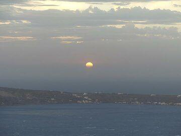 Winter sun set behind the lower pumice lands of Therasia. (Photo: Ingrid Smet)