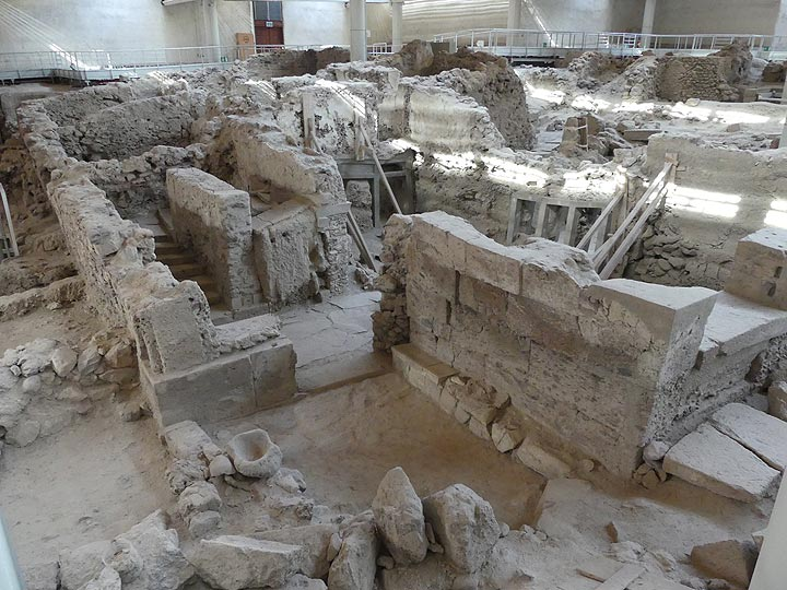 The archaeological site of prehistoric Akrotiri is regarded as the Greek equivalent of Pompeii. (Photo: Ingrid Smet)