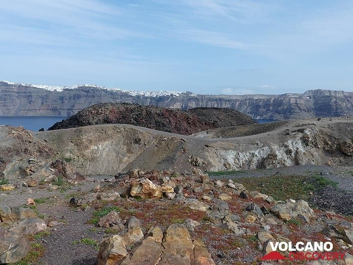 View from the central crater on Nea Kameni to a peripheral lava dome and flow and beyond the caldera cliffs below the town of Fira on Thera island. (Photo: Ingrid Smet)