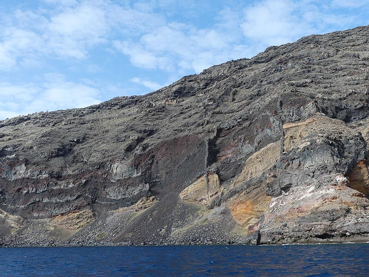 Santorini as we know it now is the end-product of ca 750 000 years of volcanic activity with repeating cycles of volcanic shields being build up and destructive, caldera forming explosive eruptions. (Photo: Ingrid Smet)
