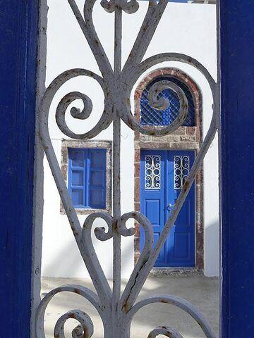 Aegean love in white 'n' blue (Photo: Ingrid Smet)