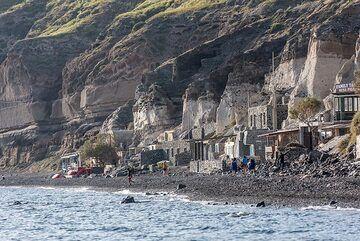 We reach a sandier area of the beach. (Photo: Tom Pfeiffer)