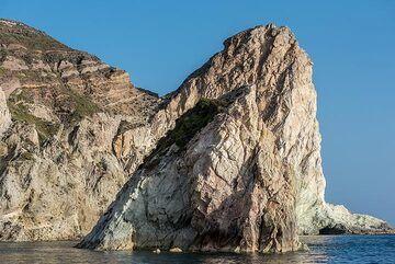 "A famous landmark along the southwestern coast, often called the ""Indian Rock"". (Photo: Tom Pfeiffer)"