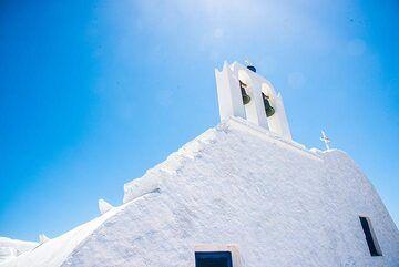 Blue and white (Photo: Tom Pfeiffer)