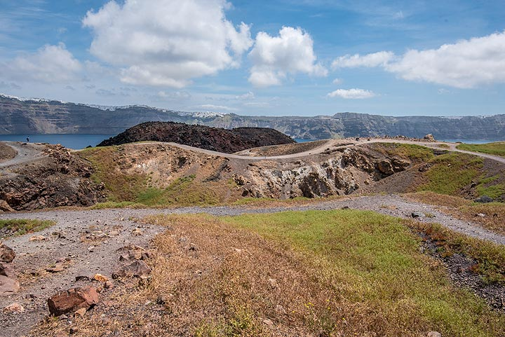 View across Giorgios crater towards the main island in the background. (Photo: Tom Pfeiffer)