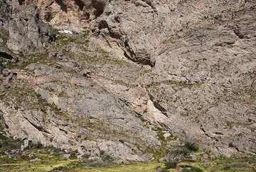 Panagia Katefiani chapel built high into the southern cliff of Mesa Vouno. (Photo: Tom Pfeiffer)