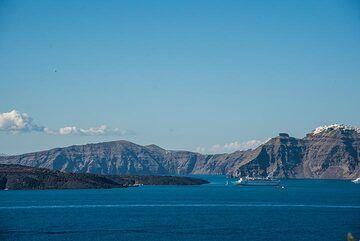 View towards the Skaros area (Photo: Tom Pfeiffer)