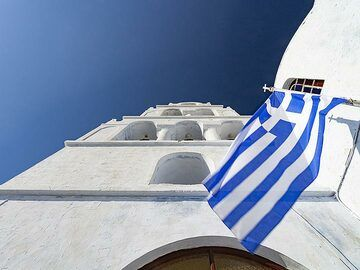 Greek church at Pyrgos village. (Photo: Tobias Schorr)